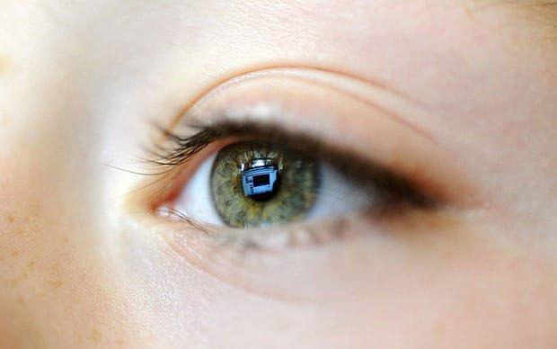 Viêm giác mạc là tình trạng viêm lớp màng mỏng bao bọc bên ngoài của mắt